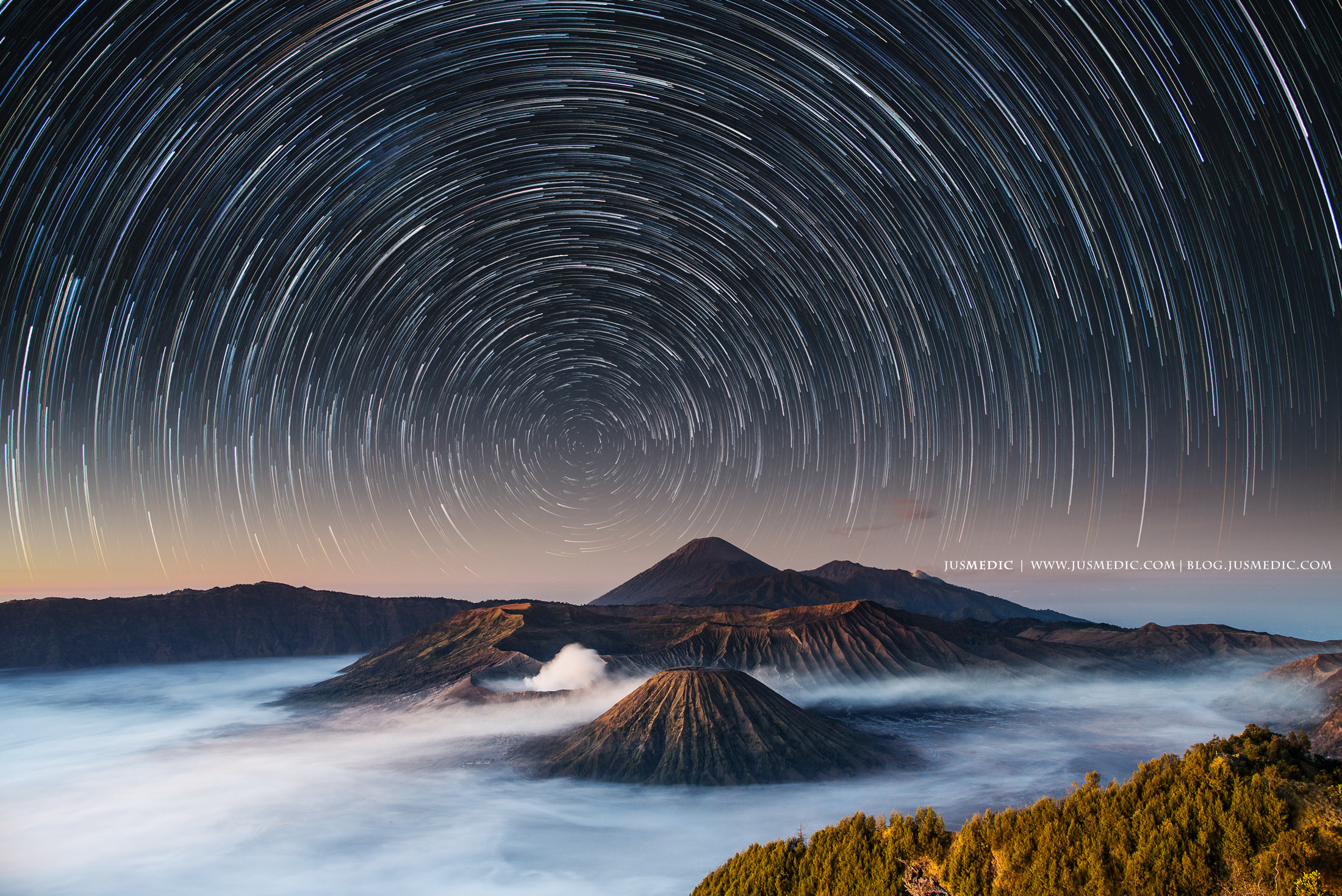 <p>Moving stars over Mt. Bromo, Indonesia</p>